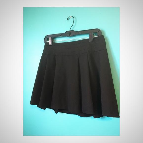 Forever 21 Dresses & Skirts - Black Mini Skirt
